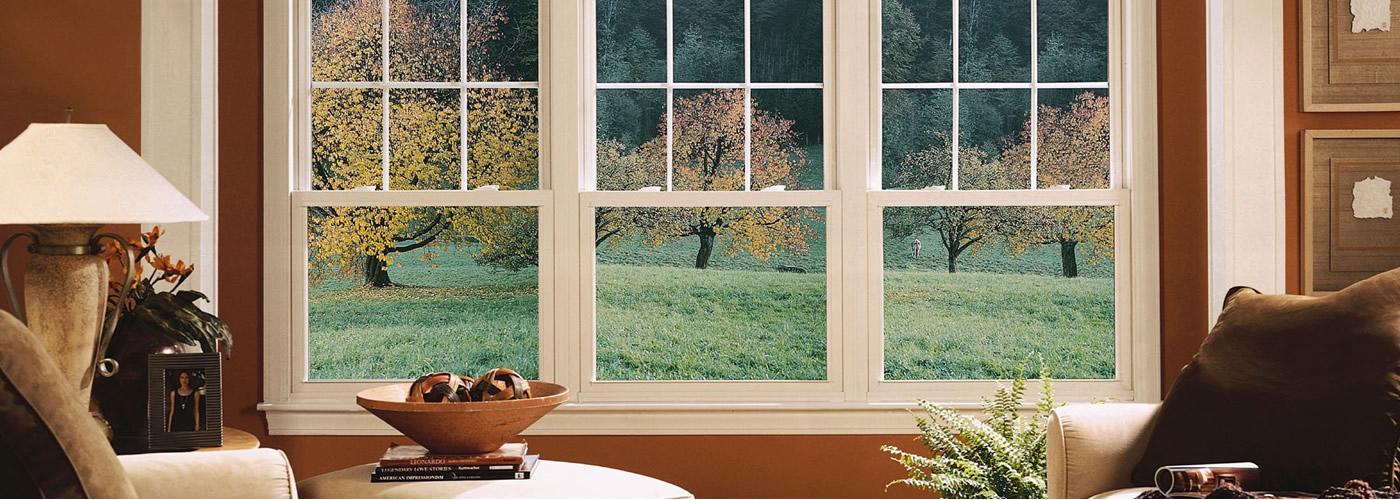 Windows with style & elegance<br><strong>Versatile, practical & beautiful</strong>